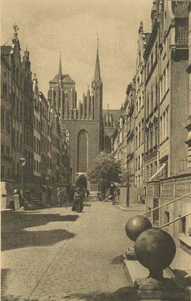 1874 tylna część kościoła Mariackiego