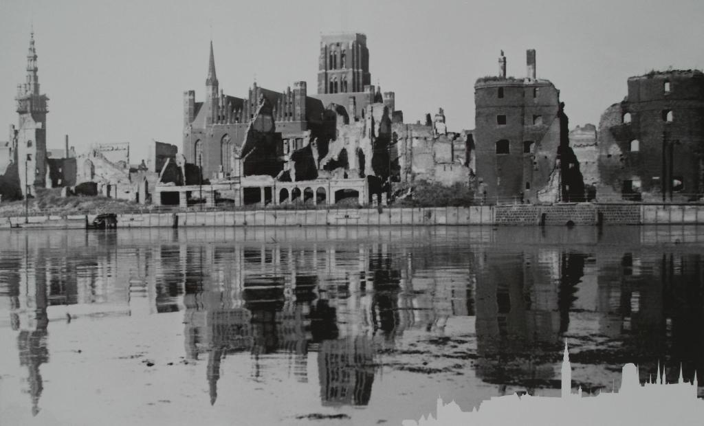 Ruiny nad Motławą, Miasto Gdańsk, Żuraw, Kościół Mariacki